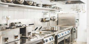 Progettare la cucina di un ristorante: norme e consigli